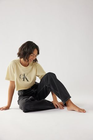 Calvin Klein for NA-KD Biologique tee-shirt court à ourlet brut