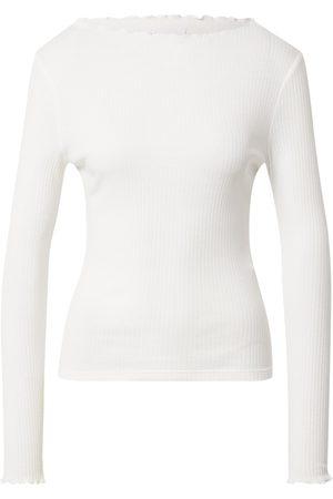 Rich & Royal Femme T-shirts - T-shirt