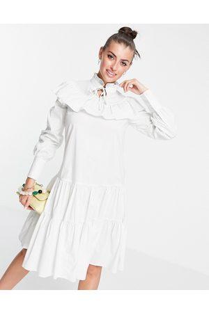 Glamorous Robe babydoll à volants et col montant