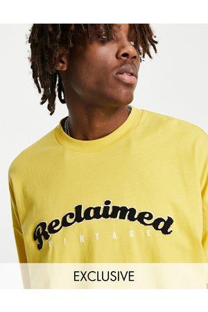 Reclaimed Inspired - T-shirt oversize style universitaire en coton biologique - Ocre