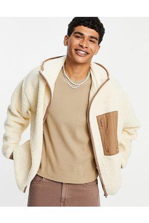 ASOS Veste oversize en teddy imitation peau de mouton à poche - Beige-Sans opinion